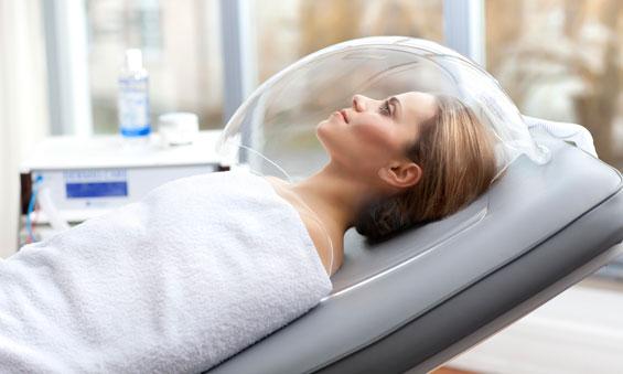 Neigiamo slėgio vakuuminė kapsulė padeda detoksikuoti organizmą, skatina regeneracinius procesus, aktyvina medžiagų apykaitą, gerina kraujotaką, stangrina odą, stiprina imunitetą, slopina alergines reakcijas.